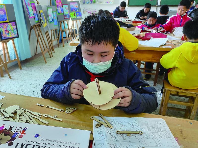 省第27届科技模型连云港市选拔赛举行