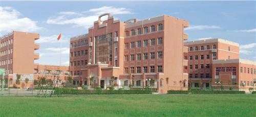 灌云县实验中学全面推进廉政建设  打造廉政教育新高地