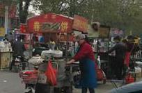 连云港市路政支队市区大队开展204国道非法占道经营摊点集中整治