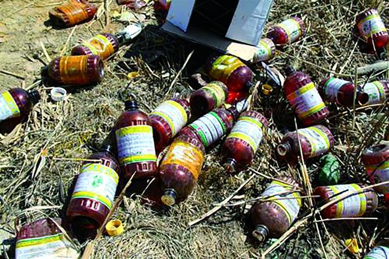 """让农药瓶不再""""流浪""""——连云港农药包装废弃物回收观察"""