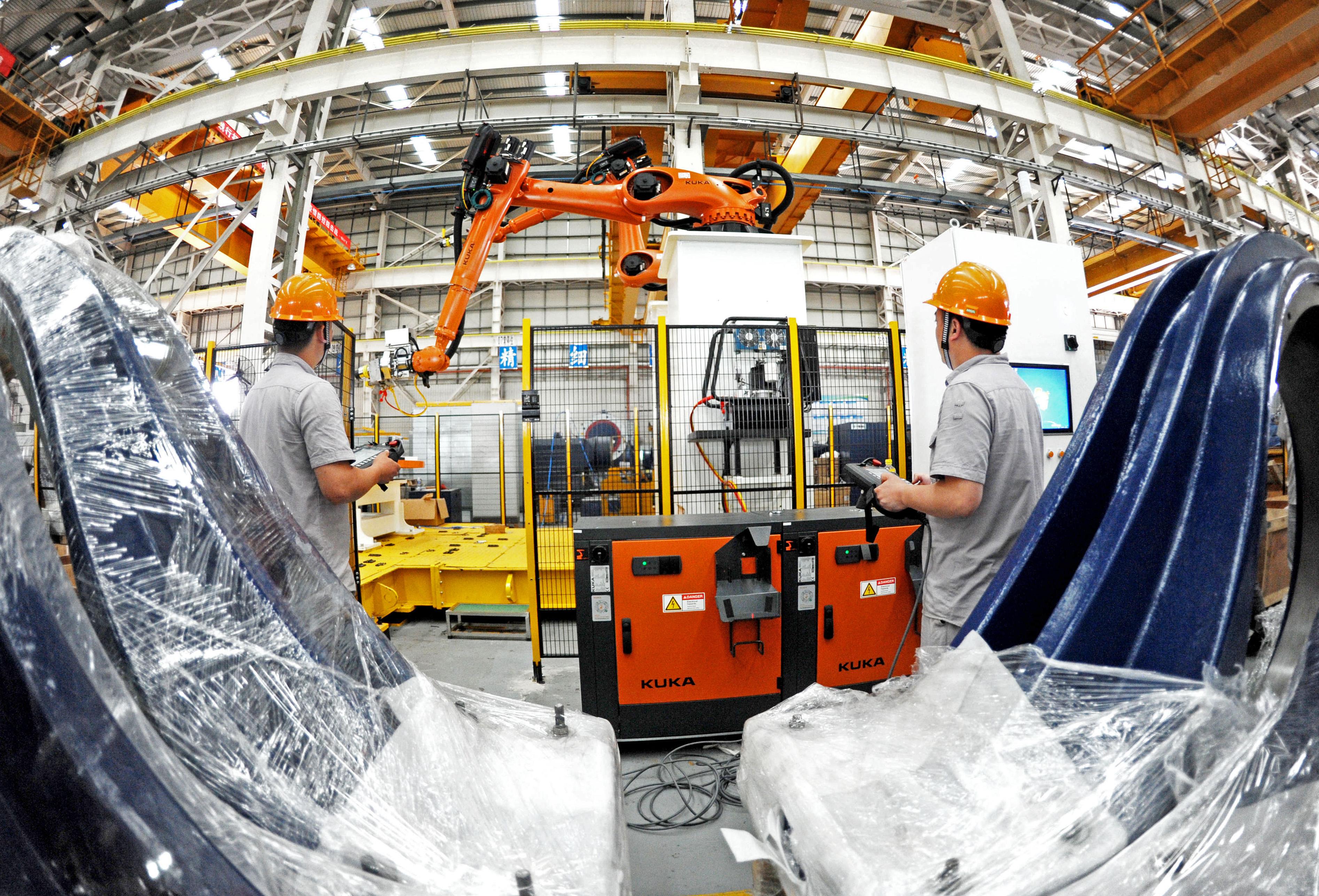 """连云港执法人员一线""""护航""""企业安全生产"""