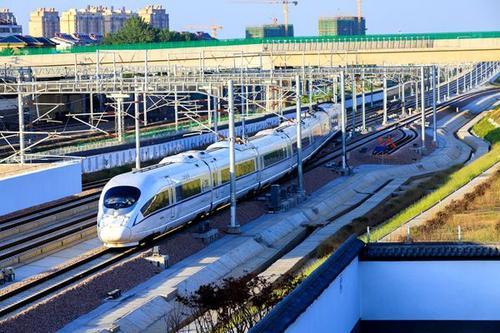 """省政府铁路发展意见确定:连云港为江苏干线铁路网络重要""""一极"""""""