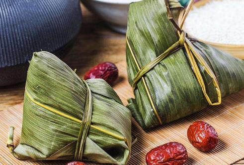 端午臨近  連云港各種口味的粽子迎來銷售高峰期
