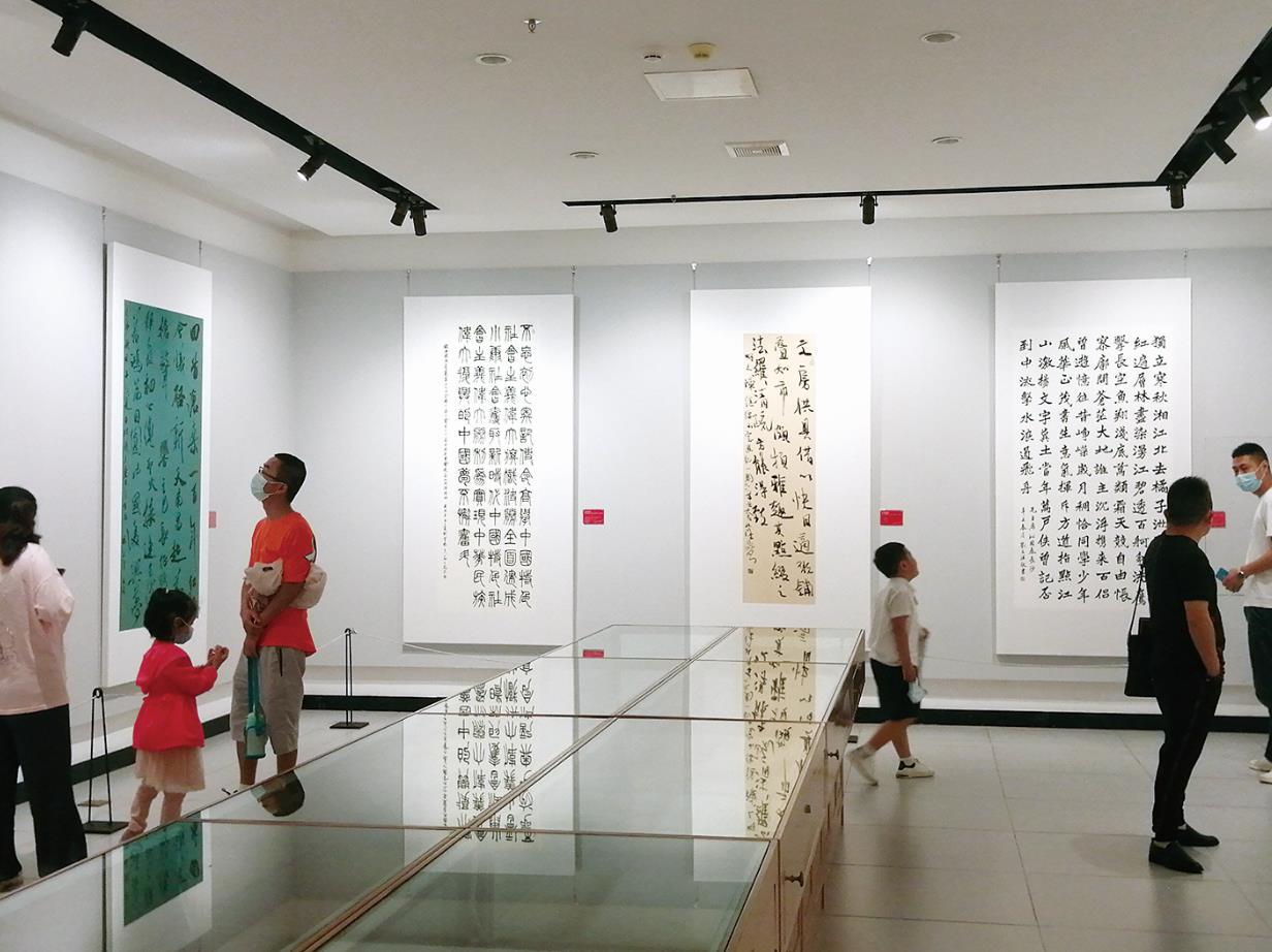 慶祝中國共產黨成立100周年 連云港市舉行專題美術書法作品展