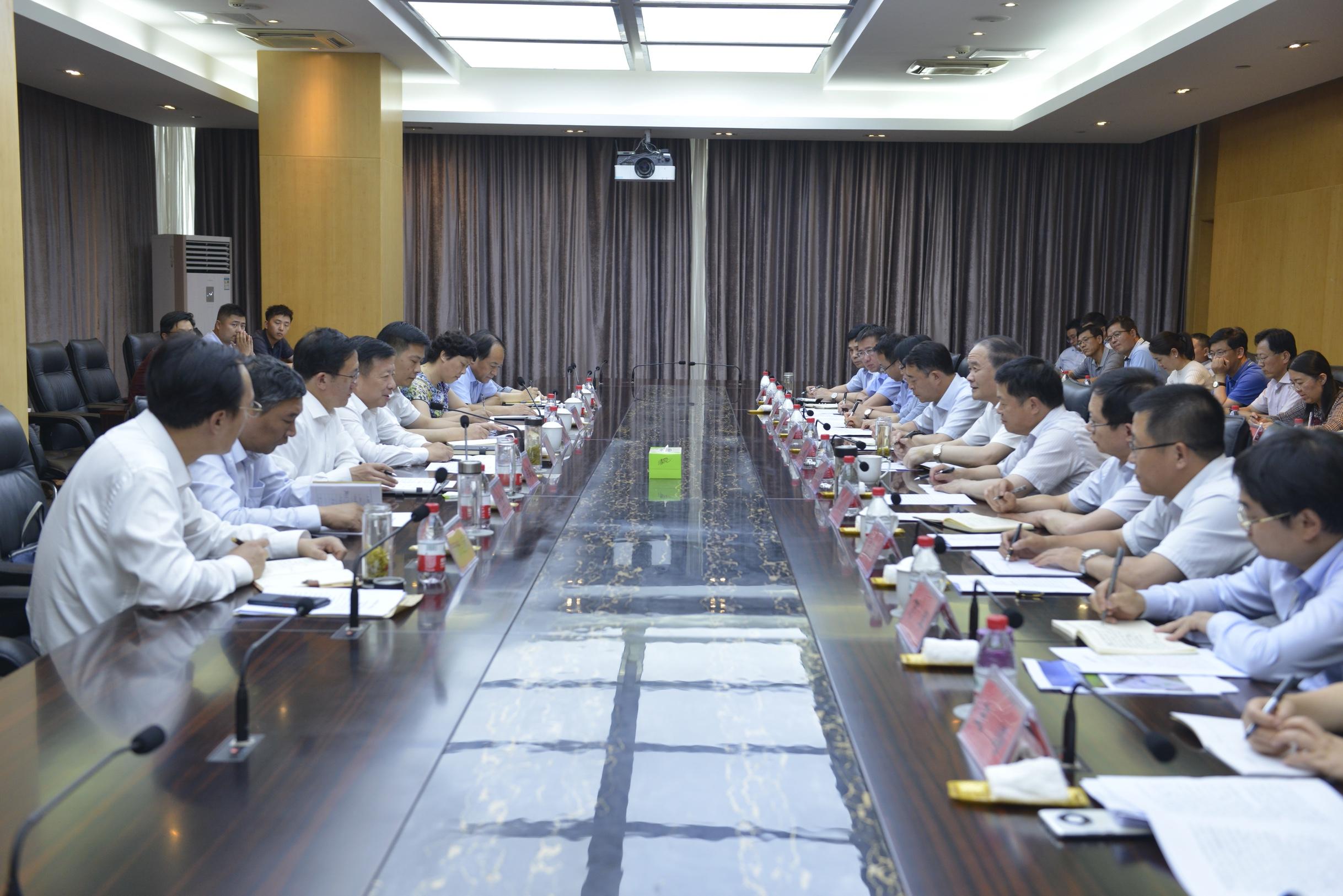 方偉在調研推進中華藥港建設工作時強調振奮精神 合力攻堅    加快建設國內一流世界知名的中華藥港
