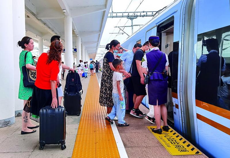 暑期新增列車方便市民出行