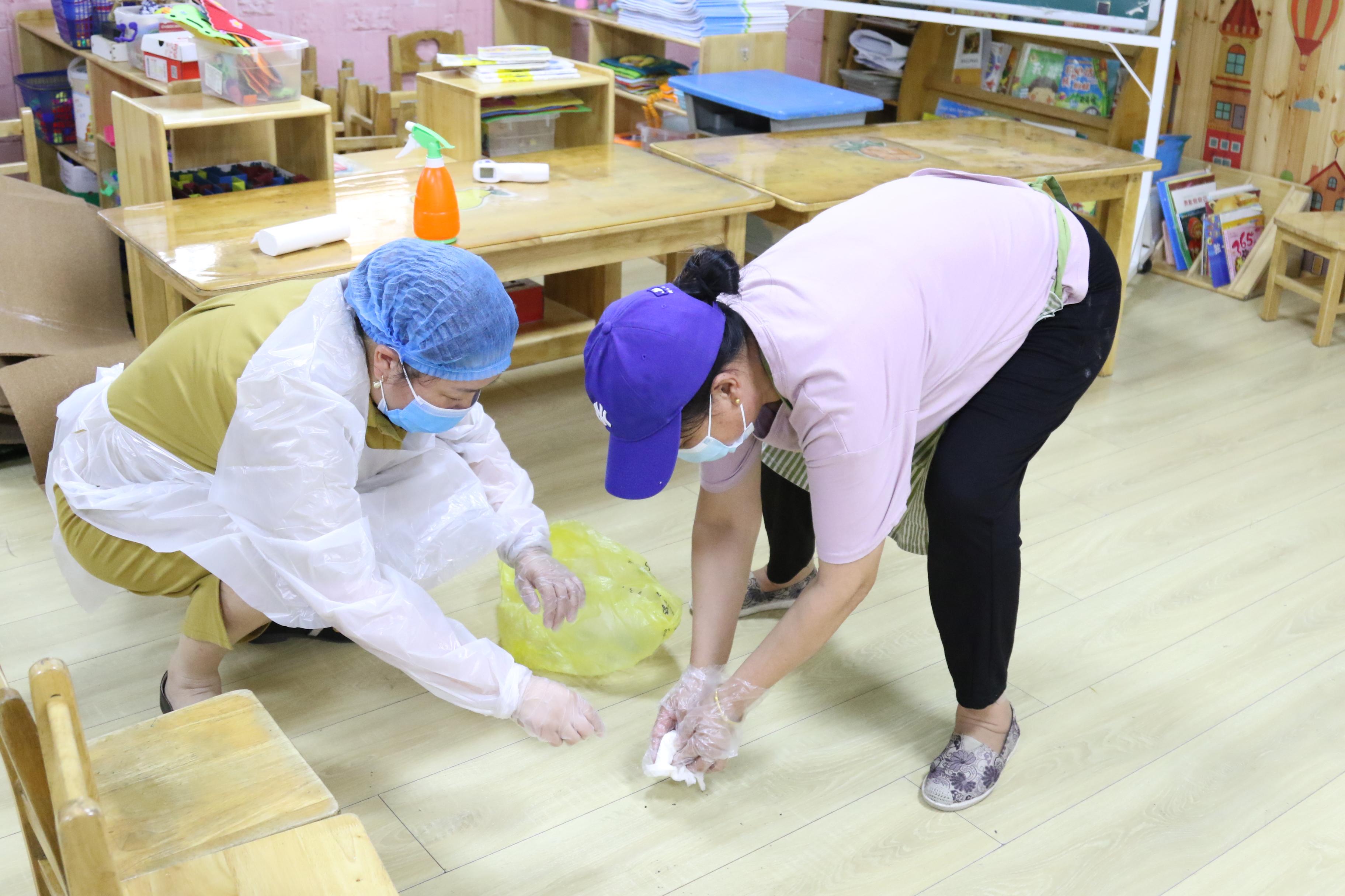 海州幼教中心開展疫情防控----幼兒發熱、嘔吐應急處置演練