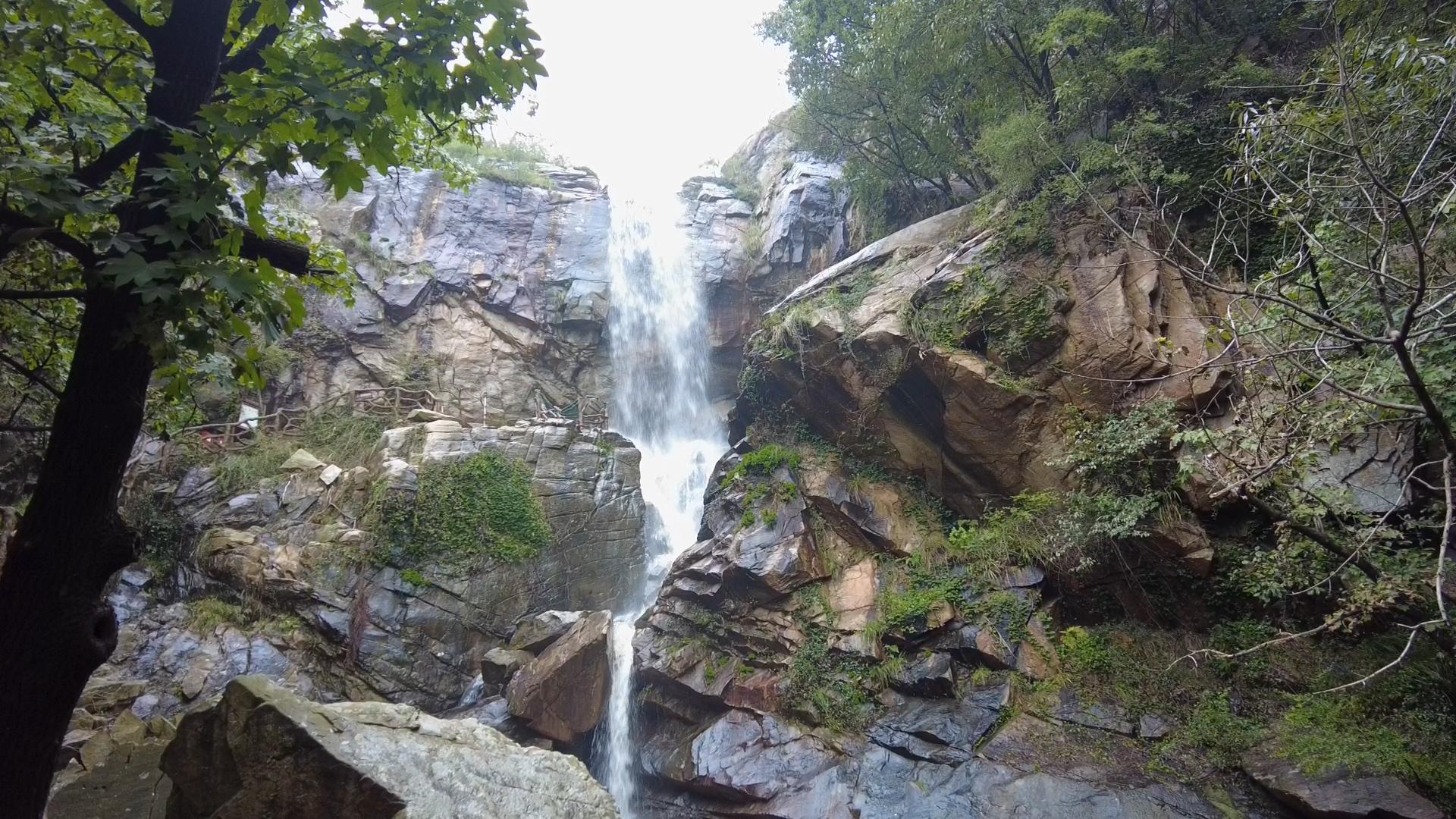 多日降水让云龙涧展现飞瀑景观