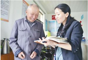 如东县居保管理中心组织人员赴基层抽查参保人员待遇落实情况